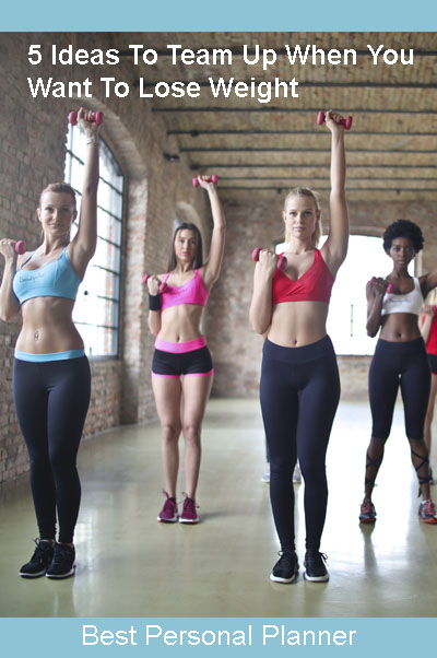 girls working out to lose weight
